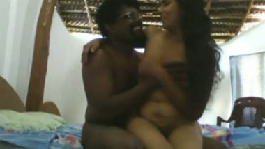 South Indian sexy housewife with her hubby�s assitant