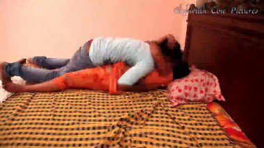 Romantic Bhabhi Seduce By Servant Hot Mms Video