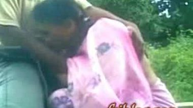 Indian mature lady sucking cock outdoor