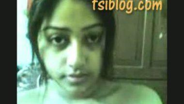 Beautiful Indian girl exposed her huge boobs