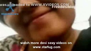 Indian Desi Mammi Aunty Blowjob
