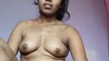 Indian bhabhi masturbates with dildo