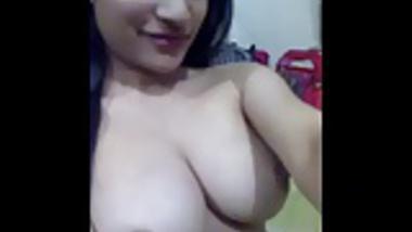 Aisha Flashing