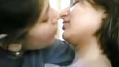 indian girl kissing to other girl