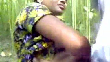 Bangladeshi village girl fucked outdoor