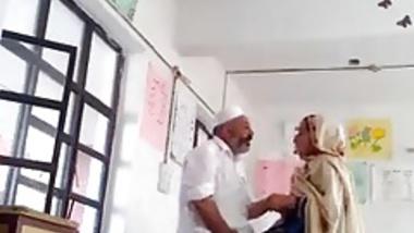 Desi principal fuck teacher in class room MMS paki old fat