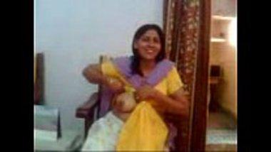 Matured bhabhi giving a boobs show to her devar