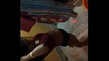 Indian voyeur video of Mallu maid stripping