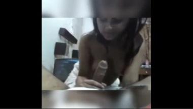 Mumbai hot college girl in a sucking action