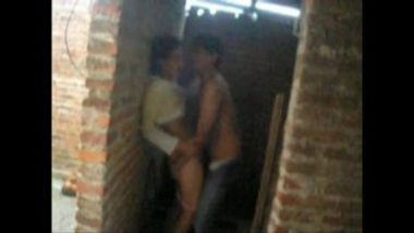 Hot MMS Of Desi Couple Fucking In Construction Site