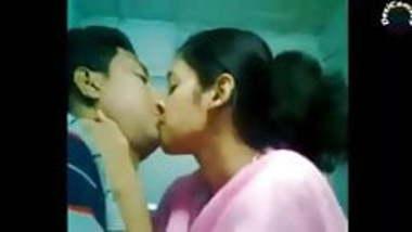 Indian Desi Babhi Giving Fuck Cute boy