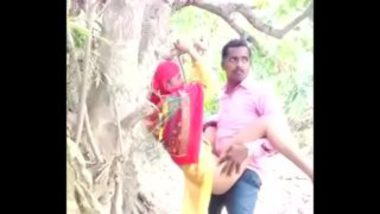 Indian Outdoor Sex MMS Of College Girl And Teacher
