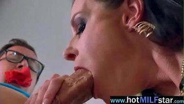 Hardcore Sex On Huge Dick Stud With Sluty Milf (india summer) vid-15
