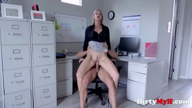Office Sex With Blonde MILF Boss- India Summers