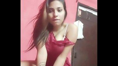 Desi Indian Girl Masturbatng at Home