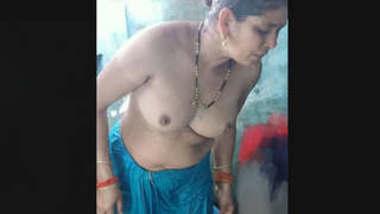 Desi Aunty Nude Bath Clip