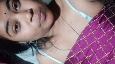 Sexy Odia Girl Showing Her boobs and Pussy On Video Call