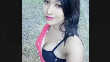 Hot Bangladeshi Girl nude vdo