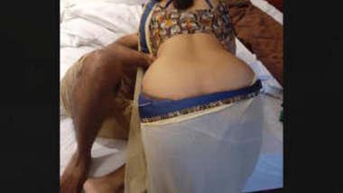 Desi very famous hot Chennai bhabhi romance infront of husband must watch new part 1