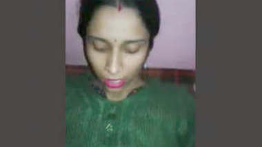 Cheating bhabhi fucking with lover'talking on phone too