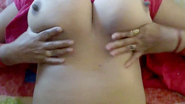 Desi Bhabhi Massive Boobs Crush