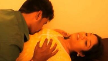 Telugu bhabi Best Boobs Pressing & Nipless Sucking Short film
