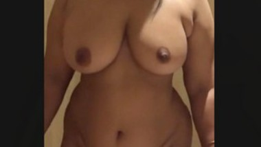 HUGE BOOBS AND ASS DESI INDIAN WIFE NUDE SHOW