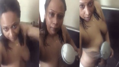 Aunty nude bath video for her secret lover