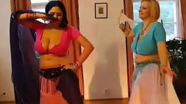 Sexy dance at bhojpuri song