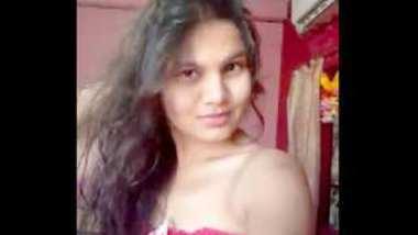 Desi village girl sopna show her nice boobs n pussy