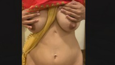 DESI INDIAN BUSTY WIFE BOUNCING HUGE BOOBS (5TH VIDEO)