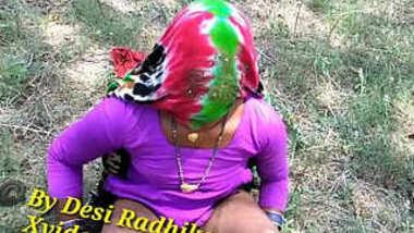 Desi village aunty outdoorshow her pussy