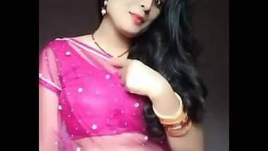 cute housewife bhabhi heena kumari exposing navel in transparent saree