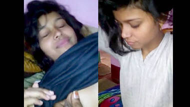 cute desi girl showing her assets to bf