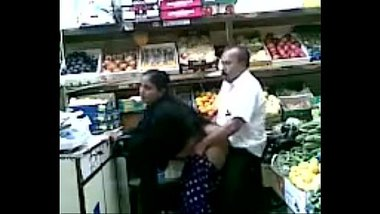 Mature couple enjoy a quick fuck in the super market