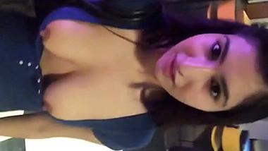 Paki Girlfriend Aliza Khan Boobs Shows in College Campus