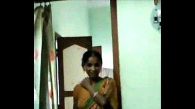Sexy Bengali Aunty Exposing Hairy Pussy