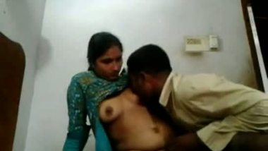 Indian village maid lifts dress for sexual entertainment