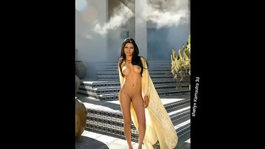 Erotic Naked Pictures Of Sherlyn Chopra