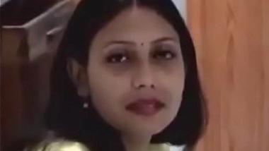 Marathi bhabhi aur naukar ki chudai hidden cam mai aayi