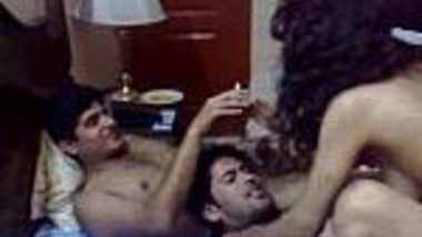 Indian porn download group threesome chudai of Pakistani girl
