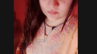 Beautiful Chubby Indian Girl Showing (Update)