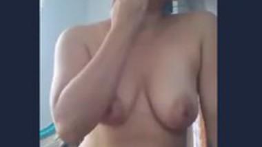 Desi aunty fucking pussy vegetable
