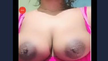 Desi girl show her big boob app video live