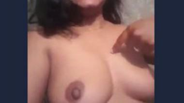 Desi bhabi show her big boob selfie video