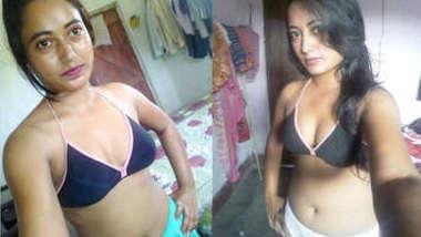 Desi female shows off her XXX titties and masturbates sex opening