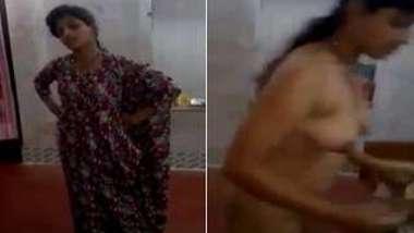 Cameraman wants fun with XXX Desi amateur actress filming her opening up