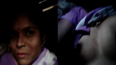 Desi wife films XXX video demonstrating her sex parts in the dark