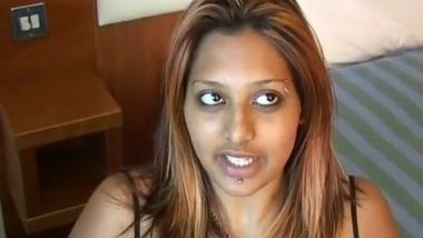 UK Tamil Nymphos Student Newbie Jerks off Old Man