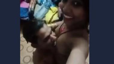 Desi lover gf boobs suck